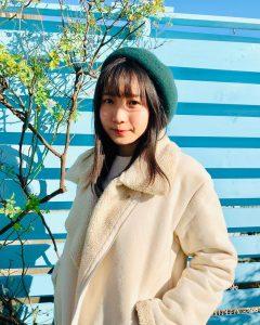 ベレー帽を被っているikuraの写真