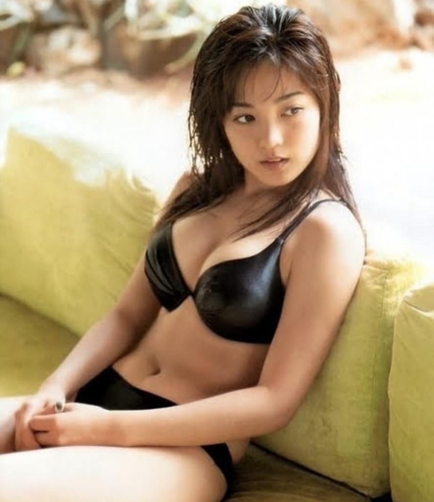 国仲涼子のデビュー当時の画像